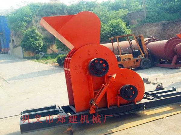郑建煤矸石粉碎机拥有独特的反击衬板